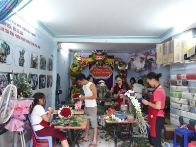 Dạy cắm hoa cưới