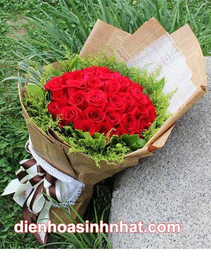 Hoa hồng nhung tặng người yêu tên Nhung.