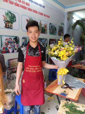 Bó hoa sinh nhật bán tròn